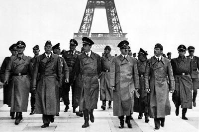 Hitler Saat Inspeksi Di Paris Tahun 1940