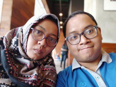 Pocophone - Foto Diambil Dengan Front Camera (Selfie Camera) dengan Mode Portait/Bokeh